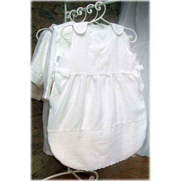 gigoteuse 0 6 mois lin blanc amandine de brevelay little b b s pu riculture. Black Bedroom Furniture Sets. Home Design Ideas